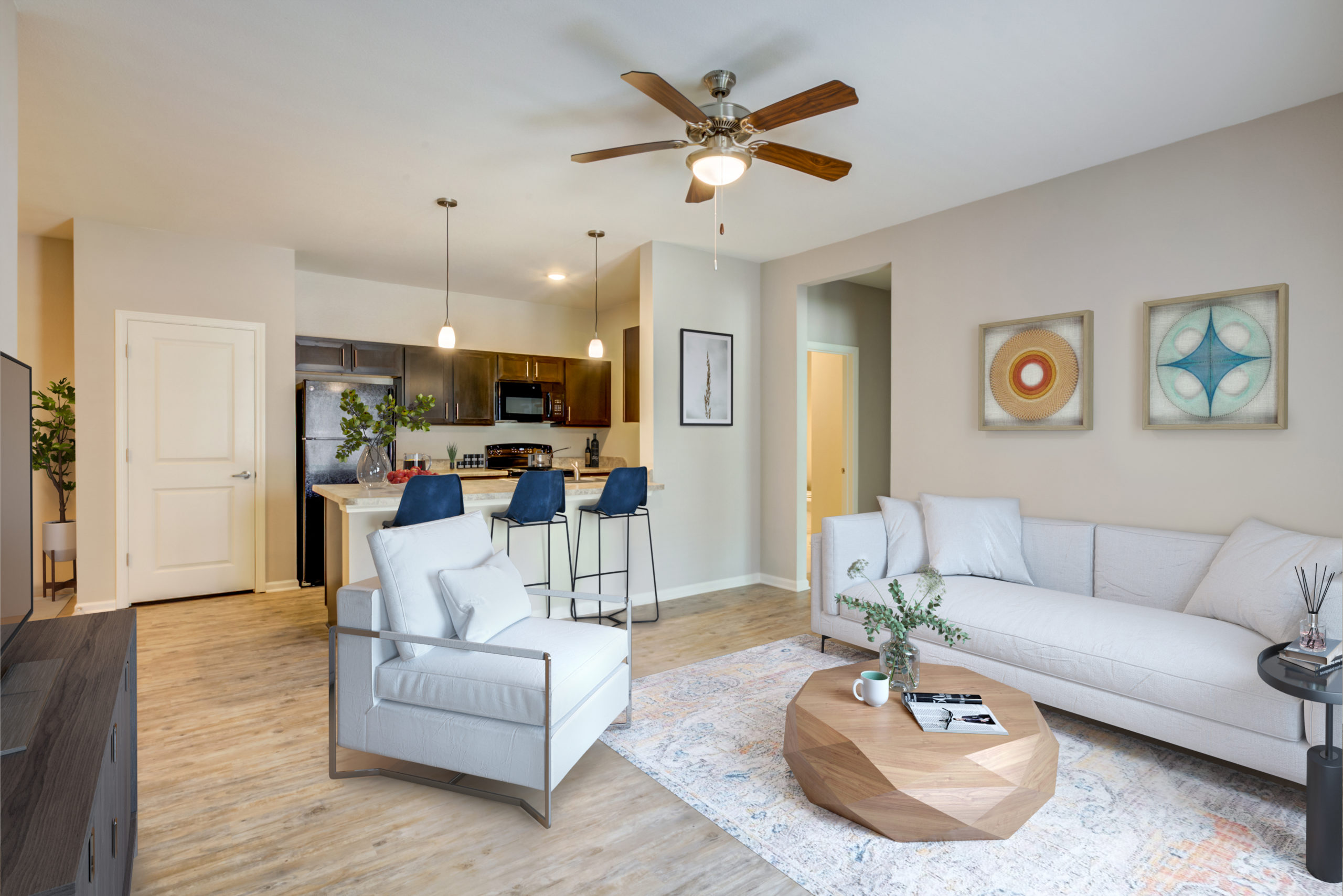 Community room at Goodnight Commons Southeast Austin apartments for rent   approved